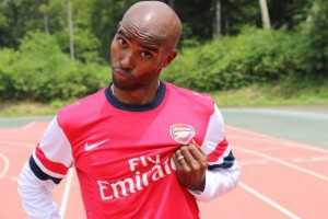 Mo Farah wearing an Arsenal shirt  Source: Twitter/@Mo_Farah